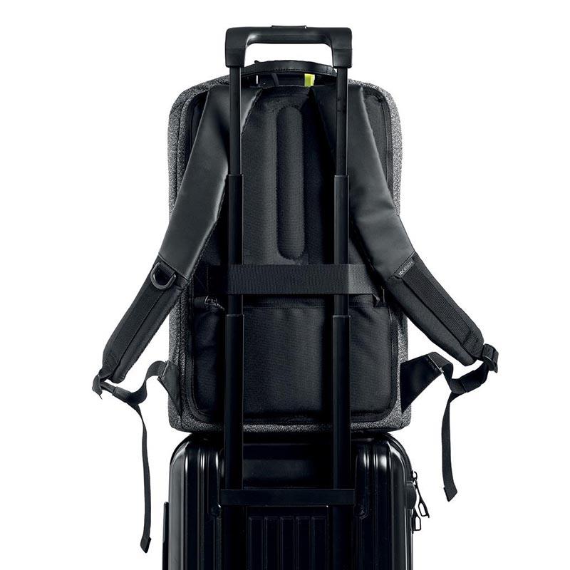 Ranac za putovanje koji se može zakačiti za kofer